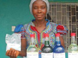 samenwerken-entrepreneur---mary-kokolo--soap-mineke-foundation