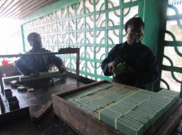 soap production cutting - vocational training - mineke foundation