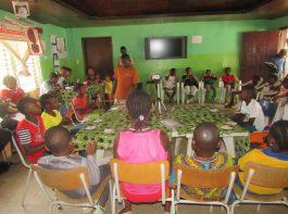 kids club - debatteren - mineke foundation