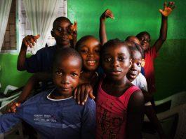 kids club -gekke bekken- mineke foundation