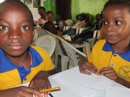ons-werk-kids-club-huiswerk2-mineke-foundation