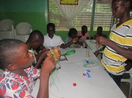 youth club - crafts 2 - -mineke foundation